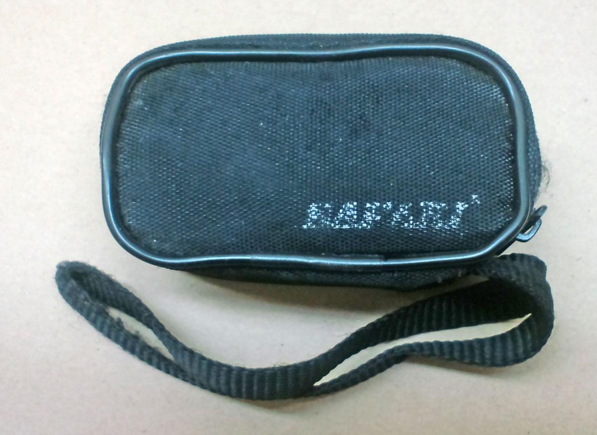 002380 単眼鏡に付属のソフトケースの写真